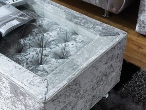 Sovereign Chesterfield table