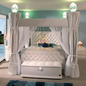 4 Poster Delux Bed
